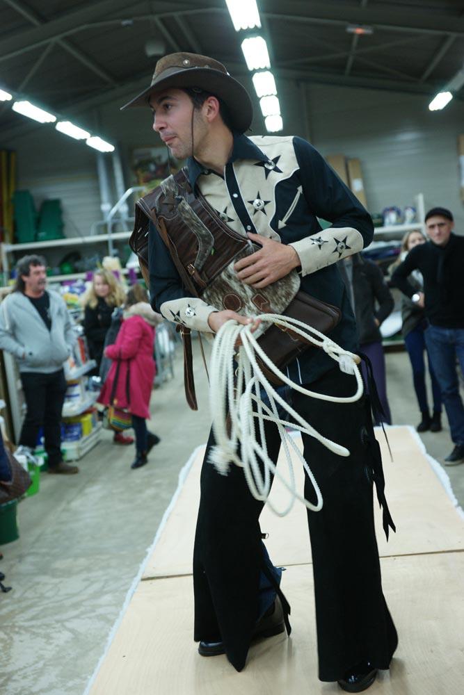 Retour en Image sur notre défilé Équitation qui a eu lieu le 6 Décembre 2015 dans notre magasin.