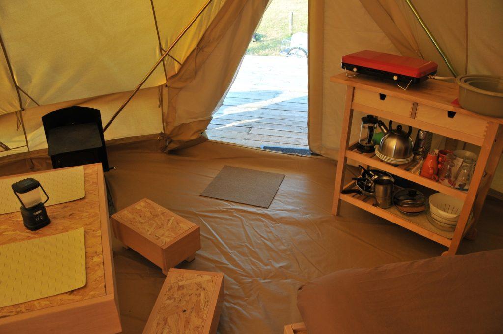 Tente nomades à Auberives
